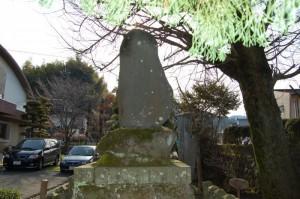 写真:矢嶋楫子先生頌徳碑